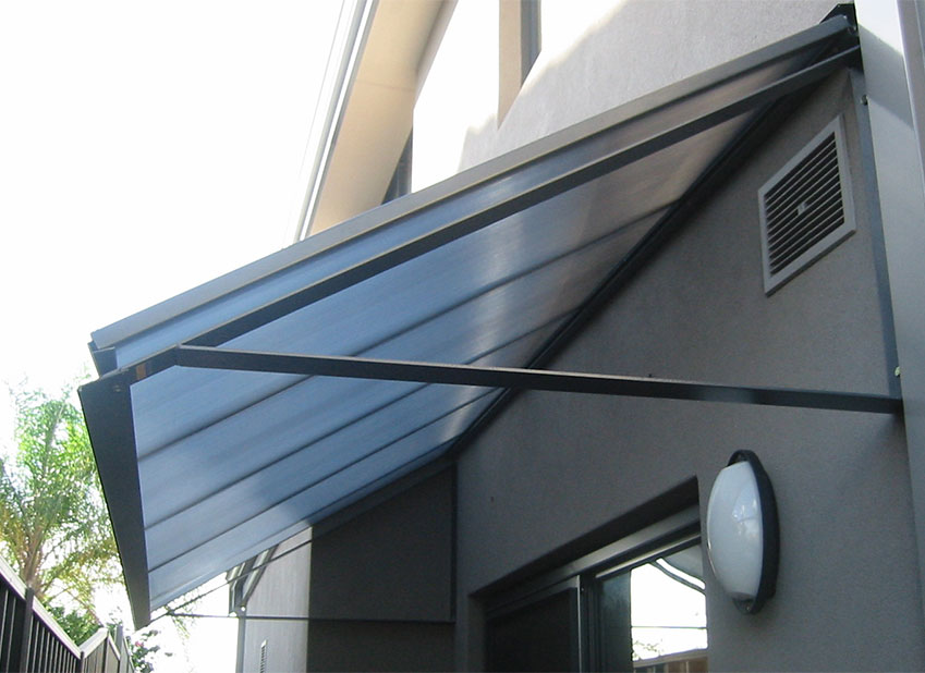 POLYCARBONATE WINDOW SHELTER